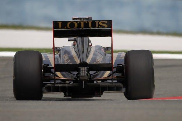 ФИА забранява обдуханите дифузори от Гран при на Великобритания