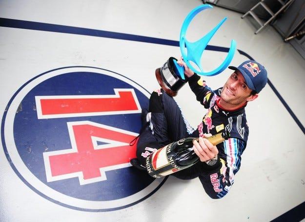 Уебър ще остане в Red Bull