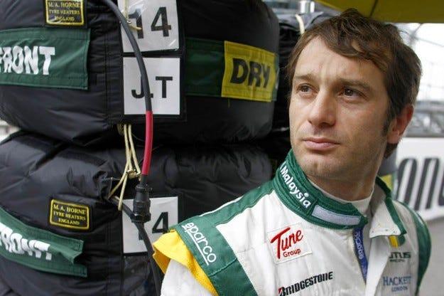 Официално: Трули остава в Lotus още година