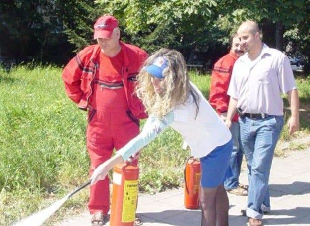Демонстрация по противопожарна безопасност и сигурност се проведе на бензиностанция ЕКО