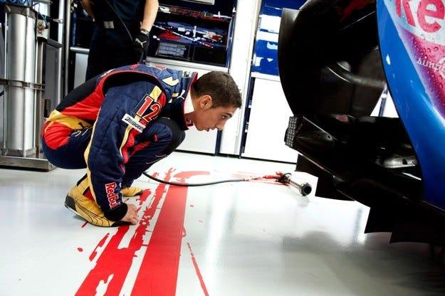 Буеми става трети пилот на Red Bull
