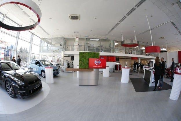 Nissan представи обновения си шоурум в София