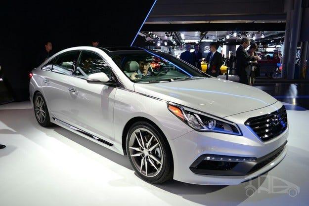 Hyundai представи на салона в Ню Йорк новата Sonata