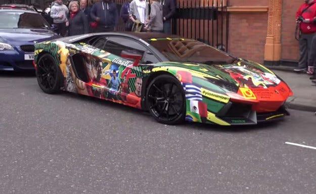 Футбол: Lamborghini Aventador се оцвети за Световното 2014