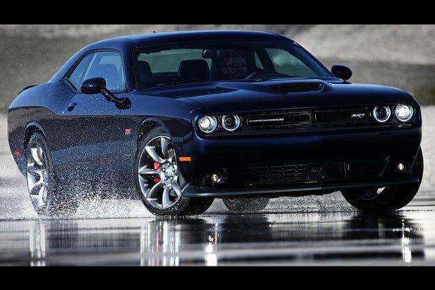 Dodge представи специален Challenger с 600 коня под капака