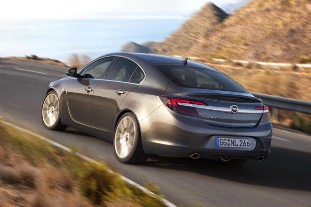 Вече над 100 000 поръчки за Opel Insignia