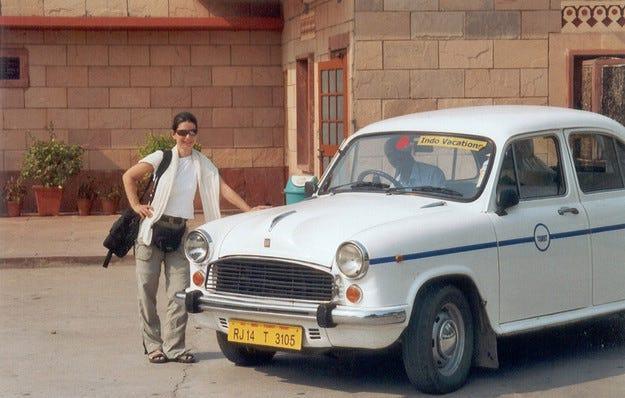 Спряха производството на легендарния индийски седан Ambassador