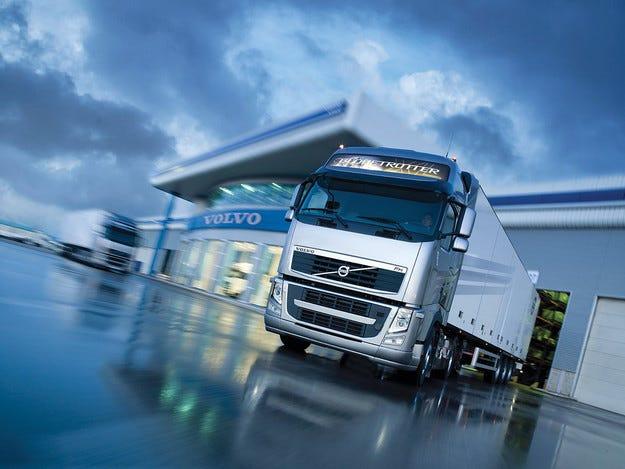 Volvo Trucks отново тръгва на път