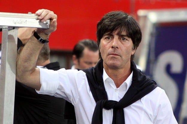 Старши треньорът на Германия без шофьорски права