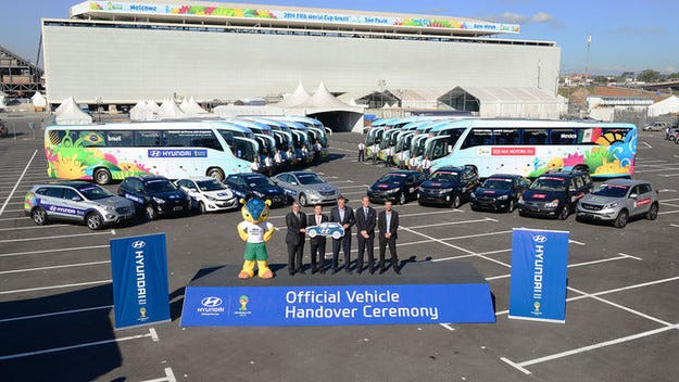 Партньорите Hyundai/Kia направиха футболна флотилия