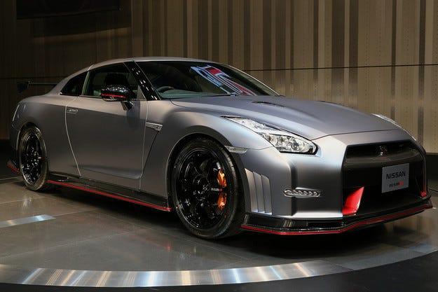 Nissan GT-R ще получи хибридна задвижваща система