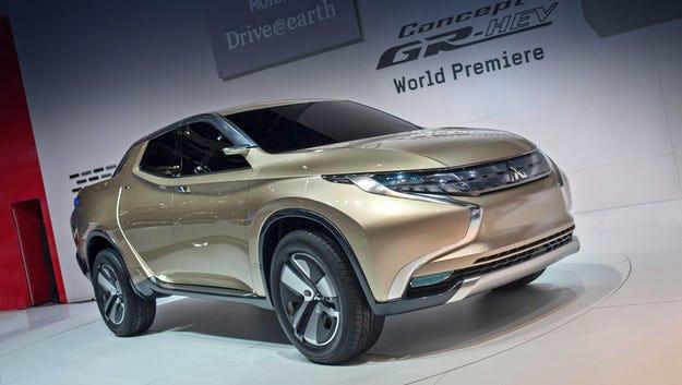 Пикапът Mitsubishi L200 ще има събрат с марка FIAT