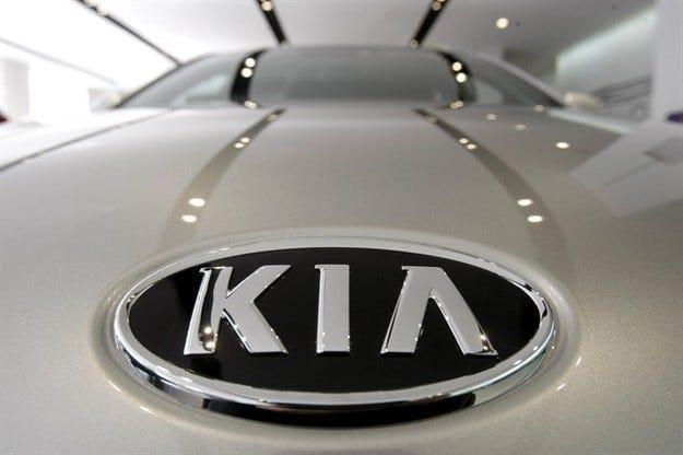 Kia подготвя за конвейера нов бюджетен кросоувър