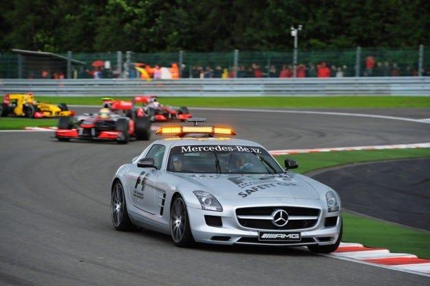 Стационарен старт след сейфти кар във Формула 1