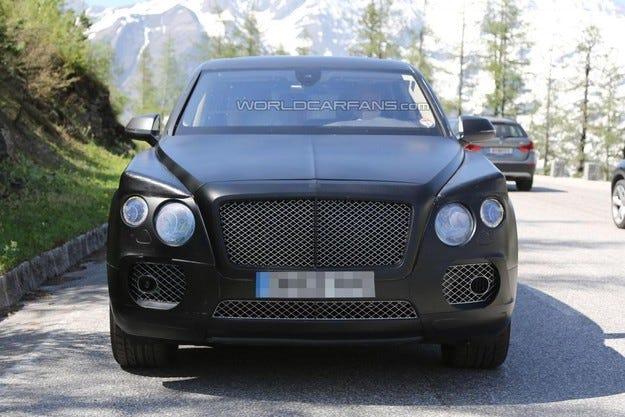 Кросоувърът Bentley ще струва 220 хиляди долара