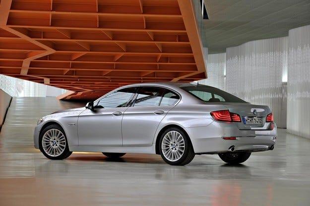 BMW изпревари Mercedes по продажби в САЩ