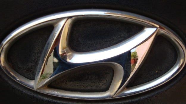 Новият Hyundai i20 хвърля камуфлажа предпремиерно