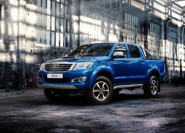 Обновеният Toyota Hilux ще се появи на пазара през  2015 г.