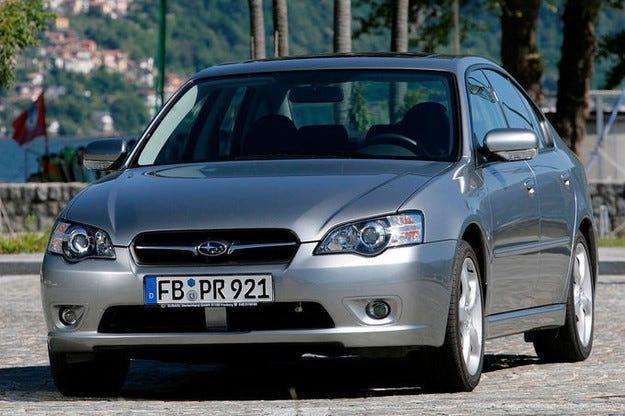 Subaru отзовава 1,2 млн. автомобила от различни серии