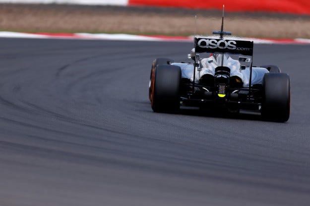 McLaren демонтира FRIC за Гран при на Германия
