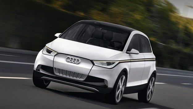 Audi подготвя два кросоувъра на електричество