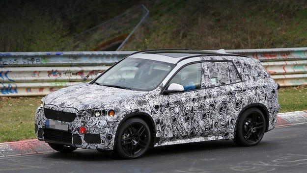 Готвят BMW X1 с дълга база и три реда седалки