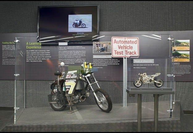 Google разработва безпилотен мотоциклет