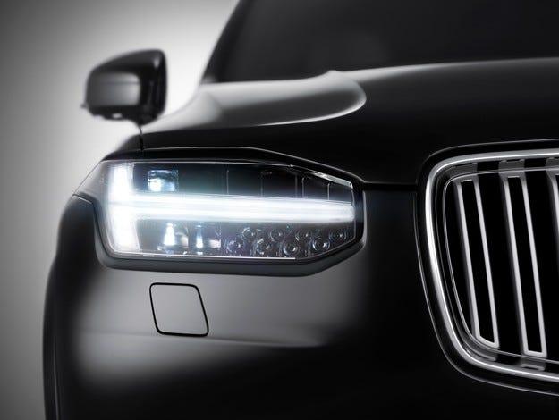 Volvo се стреми към позициите на германските автомобилни производители с новия SUV XC90