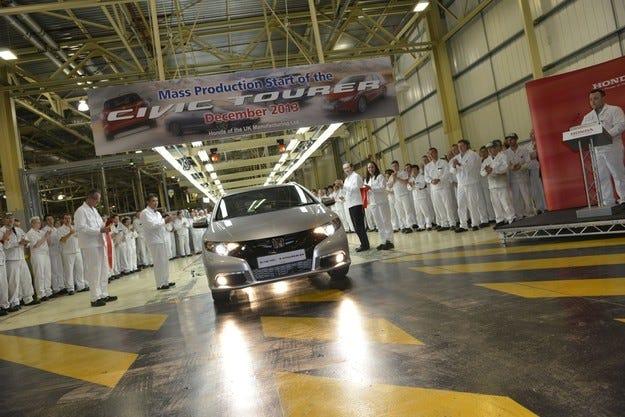 Износът на автомобили от Великобритания нараства стремително