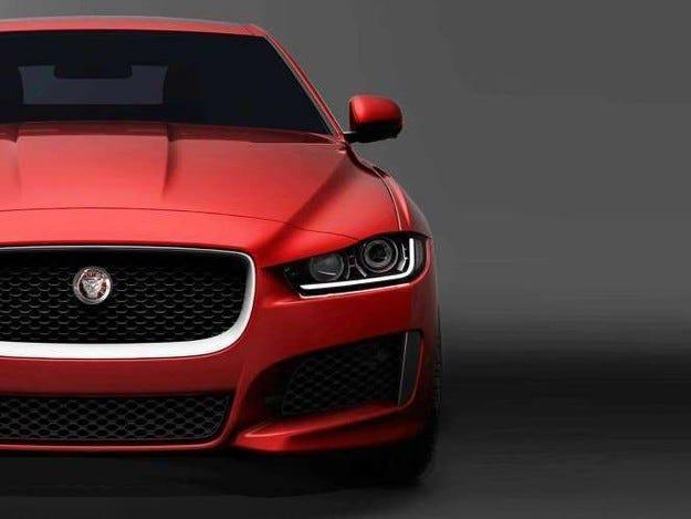 Jaguar публикува видиео тийзър на седана XE