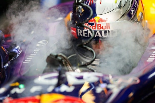 Забраняват радиото във Формула 1?