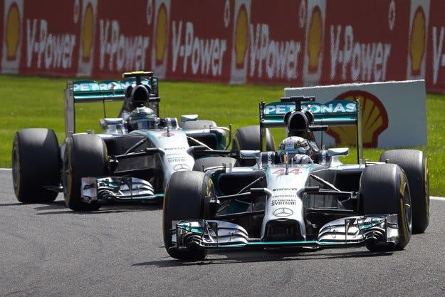 Mercedes ще използва по-къси предавки в Сингапур