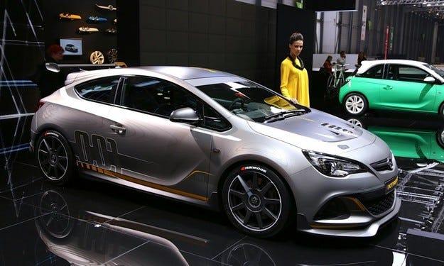 Новият Opel Astra OPC ще получи 1,6-литров мотор