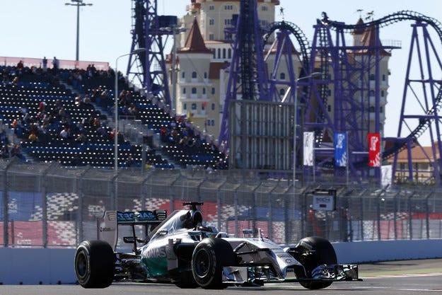 Гран при на Русия: Mercedes е шампион при конструкторите