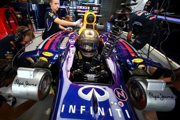 Гран при на САЩ: Фетел ще пропусне квалификацията