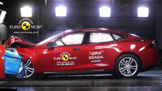 Tesla, BMW, Skoda и Nissan с най-високи оценки от Euro NCAP