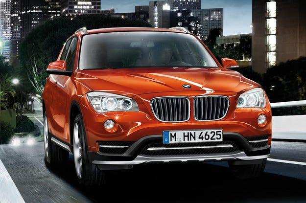 BMW създава нов компактен кросоувър