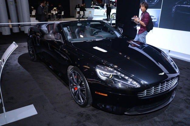 Концернът Daimler отказва да изкупи Aston Martin