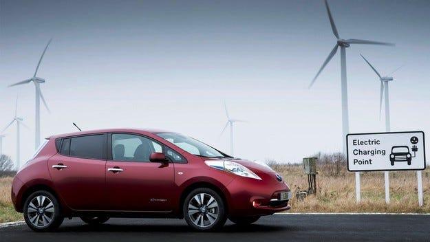 Nissan увеличава автономния пробег на електромобила си