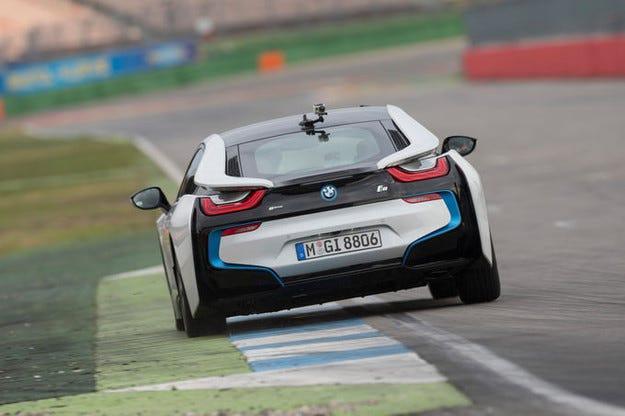 Към собствениците на BMW i8: Възможен е теч на гориво
