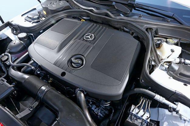 Mercedes отзовава модели с дизелови двигатели