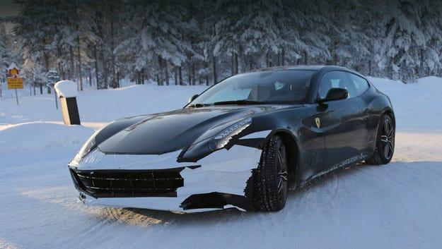 Ferrari добавя още мощност на спортния модел FF