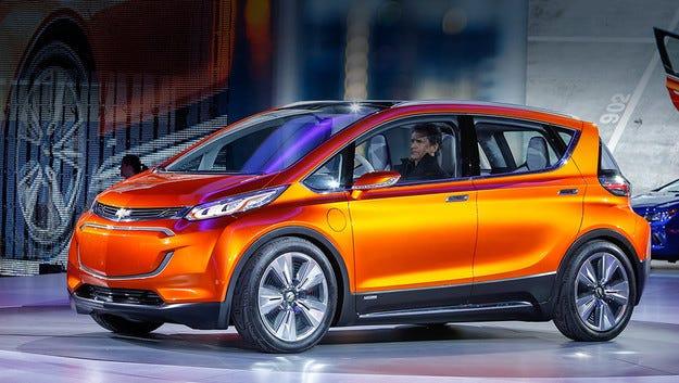 Електрическият Chevrolet Bolt тръгва към конвейера