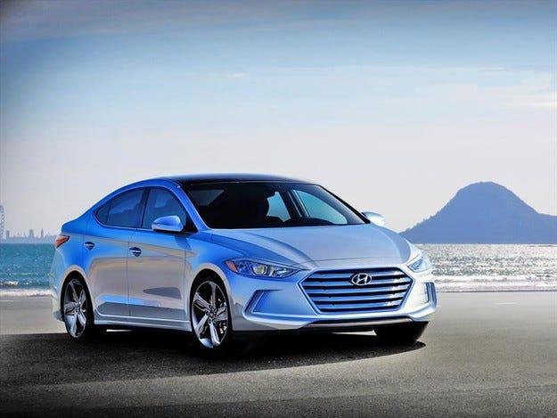 Hyundai разработи спортна версия на хечбека Elantra