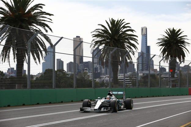 Гран при на Австралия: Хамилтън е първият победител
