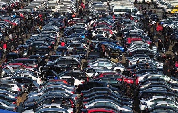 През февруари  китайският автомобилен пазар скочи с 6,4%
