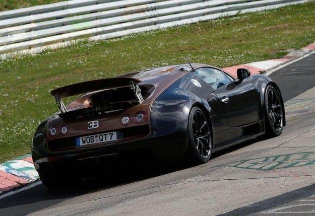 Bugatti пусна на тестове наследника на Veyron
