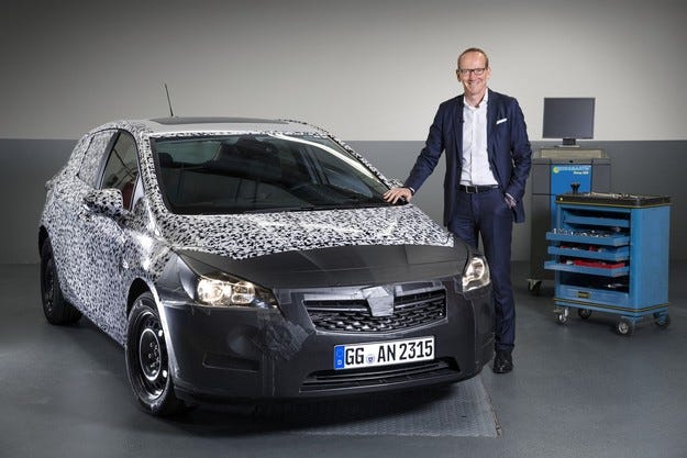 Шефът на Opel Group представя новото поколение Astra