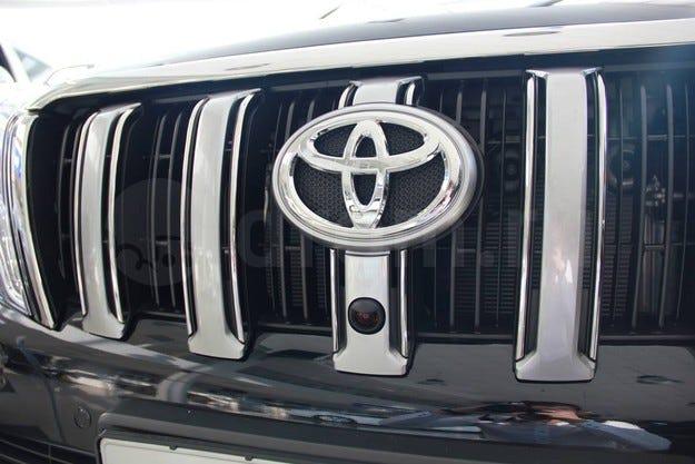 Toyota Land Cruiser Prado с 2,8-литров турбо дизел