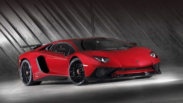 """Горещият"" Lamborghini Aventador се представи отлично"